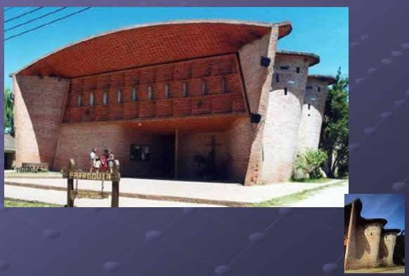 imagen Arquitectura latinoamericana, en Monografías guías y estudios varios - Varios