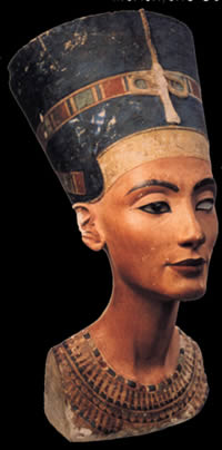 imagen Nefertiti, en Monumentos y esculturas - Historia