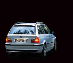 Carro con imagen de opacidad, en Automóviles – fotografías para renders – Medios de transporte