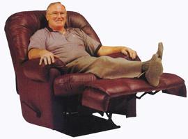 imagen Hombre sentado en gran sillon, en Fotografías para renders - Personas