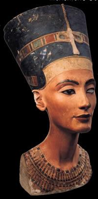 Nefertiti, en Monumentos y esculturas – Historia